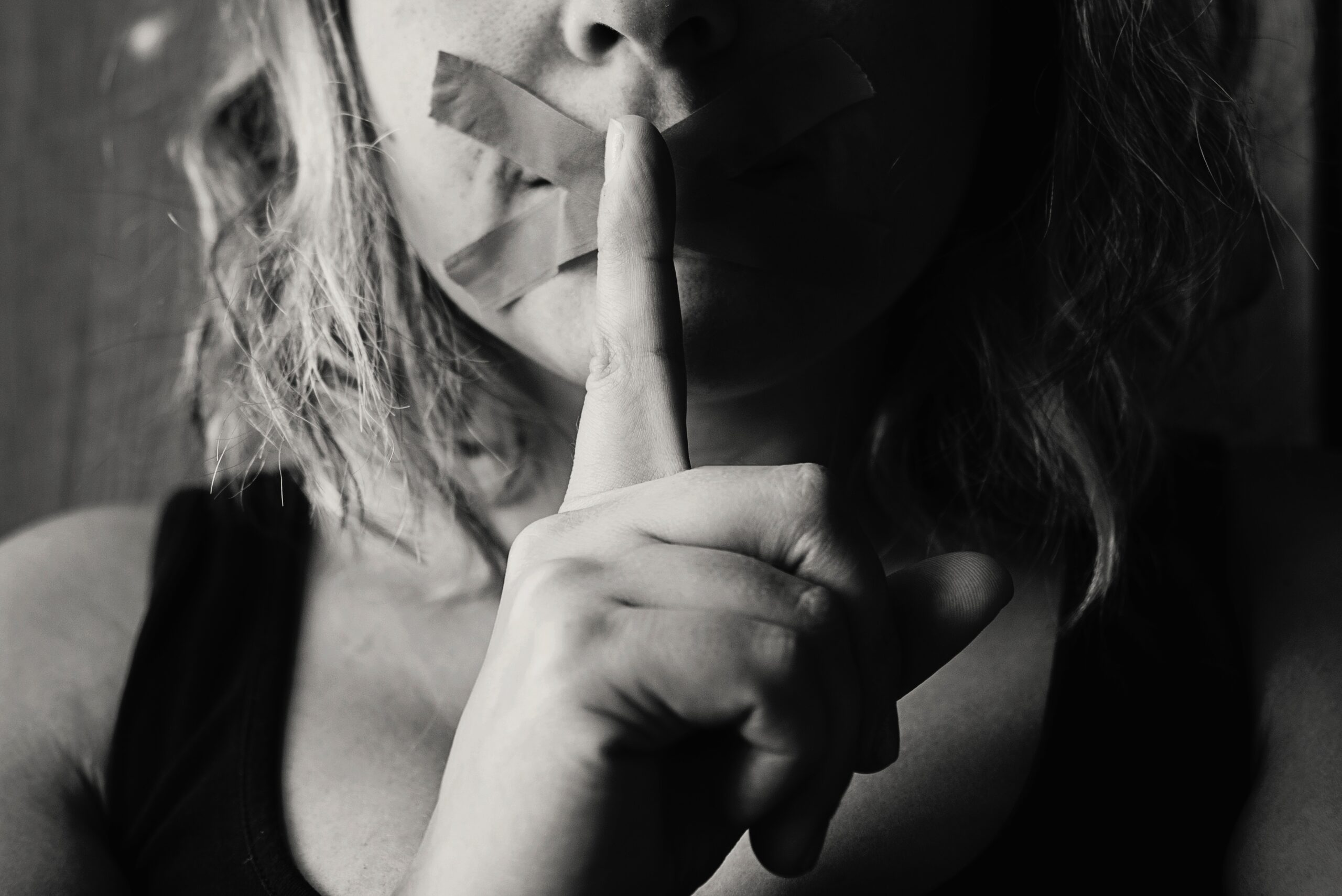 15 Warning Signs Of A Toxic Relationship